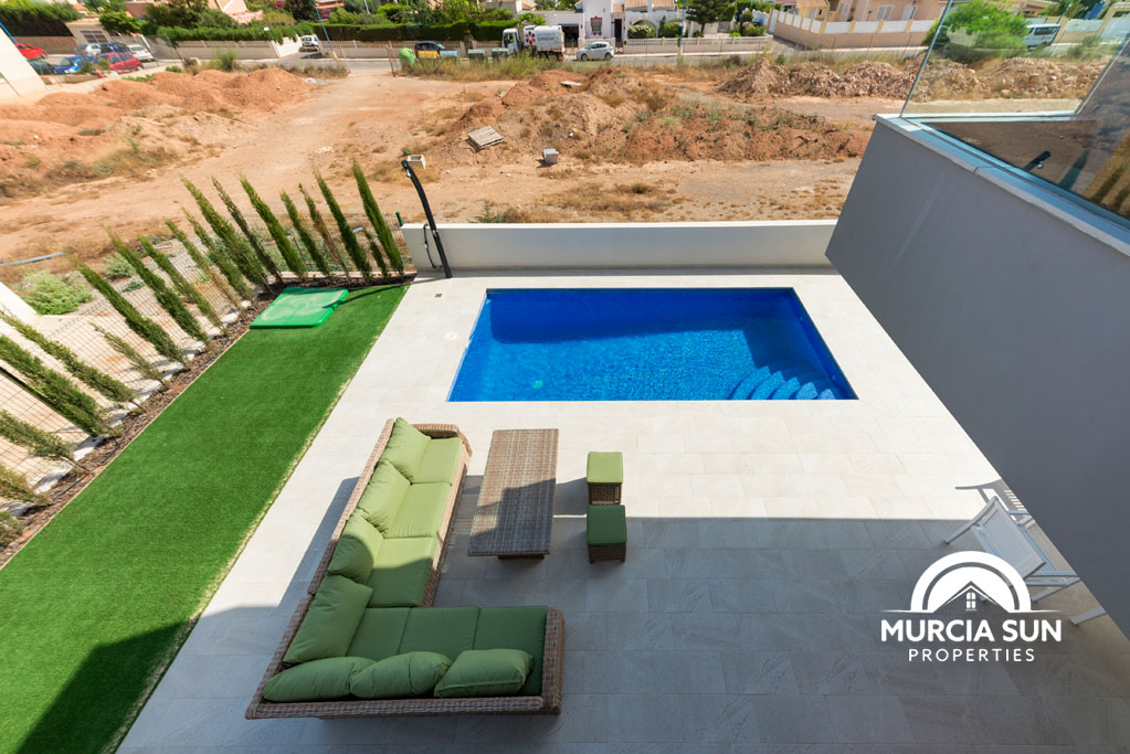 Sale of 4 independent villas with private pool in Playa Honda image 1