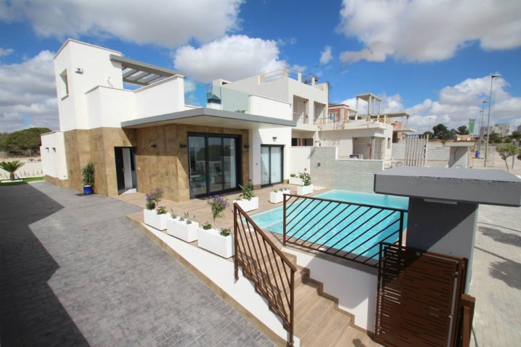 2 bedroom Detached Villa for sale in Playa Honda image 1